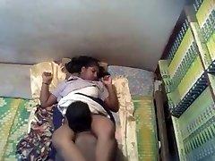 Super-hot Kerala School Girl MMS