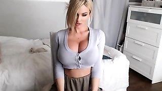 babe sensualeve flashing boobs on live cam