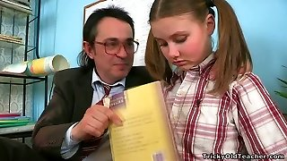 Horny aged teacher gets lusty apology from his cute college girl with pigtails