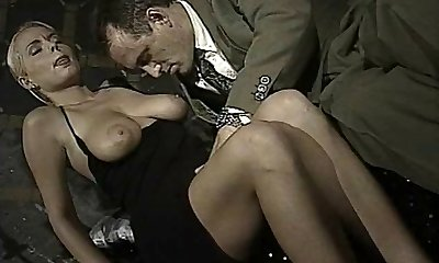Italian stunner does ass-to-facehole in this vintage clip