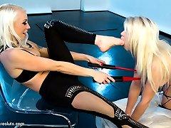 Episode 2 Little miss Anikka is learning the ways of Mistress Loreleis electrosex hand. Lorelei...
