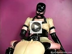 Latex fetish domina has her latex slave worship her pussy through latex