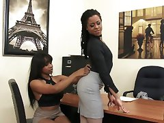 Two Ebony Queens Fuck In The Office