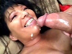 Naughty matured bitch in cum squirting suction thrill