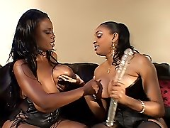 Black lesbians cum while being fucked by their girlfriend