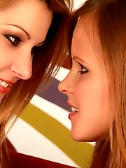 Gorgeous babes kissing and licking