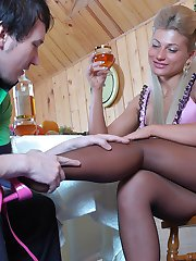 Sultry gal flashes her feet in reinforced toe hose before suck-n-fuck action