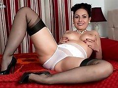Sexy nylon legs and full breasts, Sophia is hot!