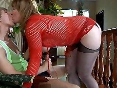 Curvaceous mommy in a red fishnet teddy takes it up her plump older beaver