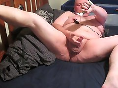 Fat chap edging and swallowing his own cum