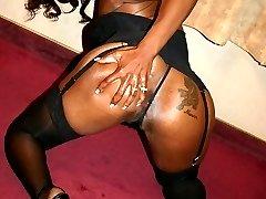 Horny ebony Brandi Coxxx spreads wide as she has her hot black ass fucked