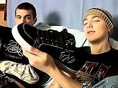 Sexy men Foot Play Jack Off Boys