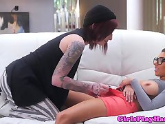Firsttimer spex les pussylicked by inked emo