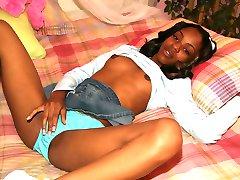 Sweet black teen gets kinky
