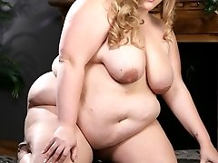 Giant Christina Curves sucks her trusty sex toy before burying it deep inside her velvety smooth slit!