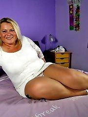 Dutch big booty mama getting ready to please