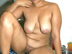 Thick Black Sister Peaches Gets Caught Naked