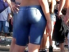 With this nice video we are welcoming you to the real fest of incredible denim shorts
