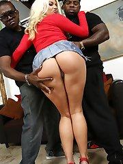 Layla Price Blacks On Blondes.com
