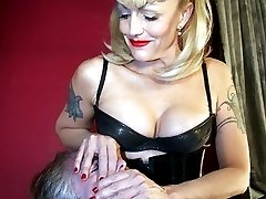 Latex face sitter