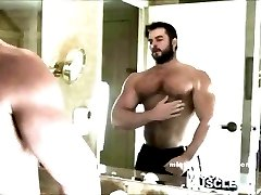 Muscle God Jerk off