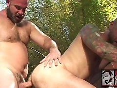Sexy Bears Dan Rhodes and Jeff Wells Fuck At the Club