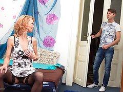 Hot housewife doing the guy next door
