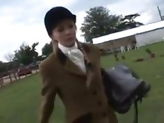 Horsey college girl proves she s a good ride !