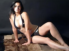 Bikini honey posing sexy for her boyfriend