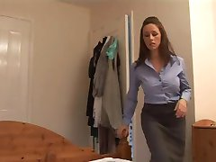 Angry mom gives her boyfriend a harsh handjob