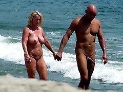 Public beach, exclusive hot photos and videos