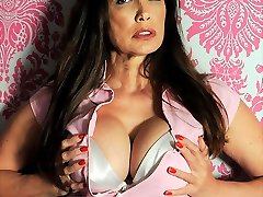 Nylon Jane has a very girly side and sometimes a cute pink outfit gives her the right feeling...