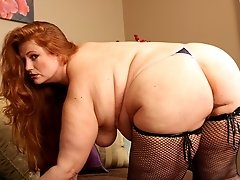 Phat ass mega butt slut gets ass slammed!