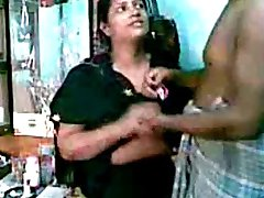 Indian Guy try to enjoy with her Secret lover Aunty