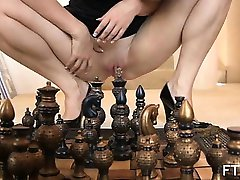 Luxurious housewife became horny during chess game