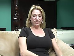 Interview With A Naked Hot Cougar - DreamGirls