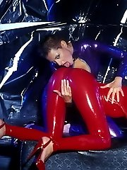 Kinky sluts in red and purple latex