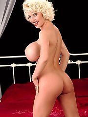 Hot and luscious SaRenna Lee