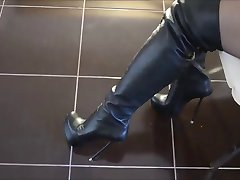Overknee boots with extreme high heels