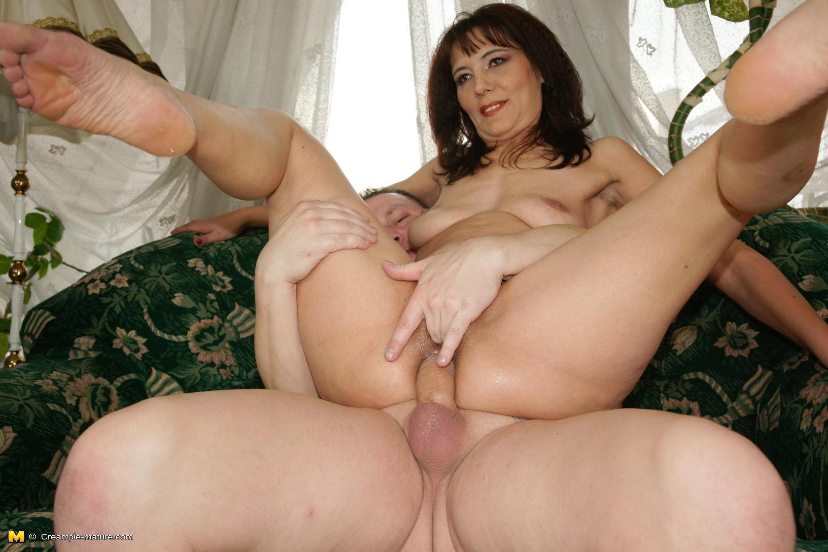 Nice culos and boobs