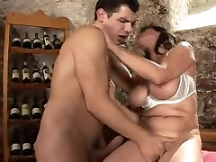 Very hot this mature woman deserved to be fucked always