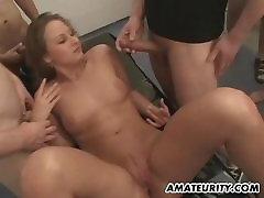 Amateur girlfriend gangbang orgy with facial cumshots