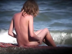 AMATEUR NUDE GIRLS IN BEACH SHOWING PUSSY NIPPLE 7