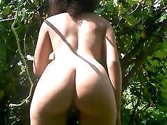 ebony spanking her cheeks