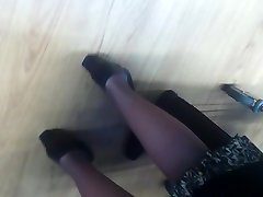 mature under the dress upskirt 17 oct
