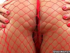 British milf Lelani loves her big black dildos
