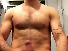 Str8 guy cum in public toilet
