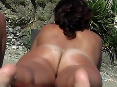Nude Beach - Big Arse & Boobs Spreads