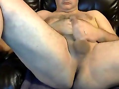 Handsome daddy bear with great ass