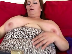 Big busty mature queen mom with wet cunt